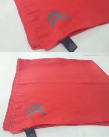 Personalização de lenços de pescoço